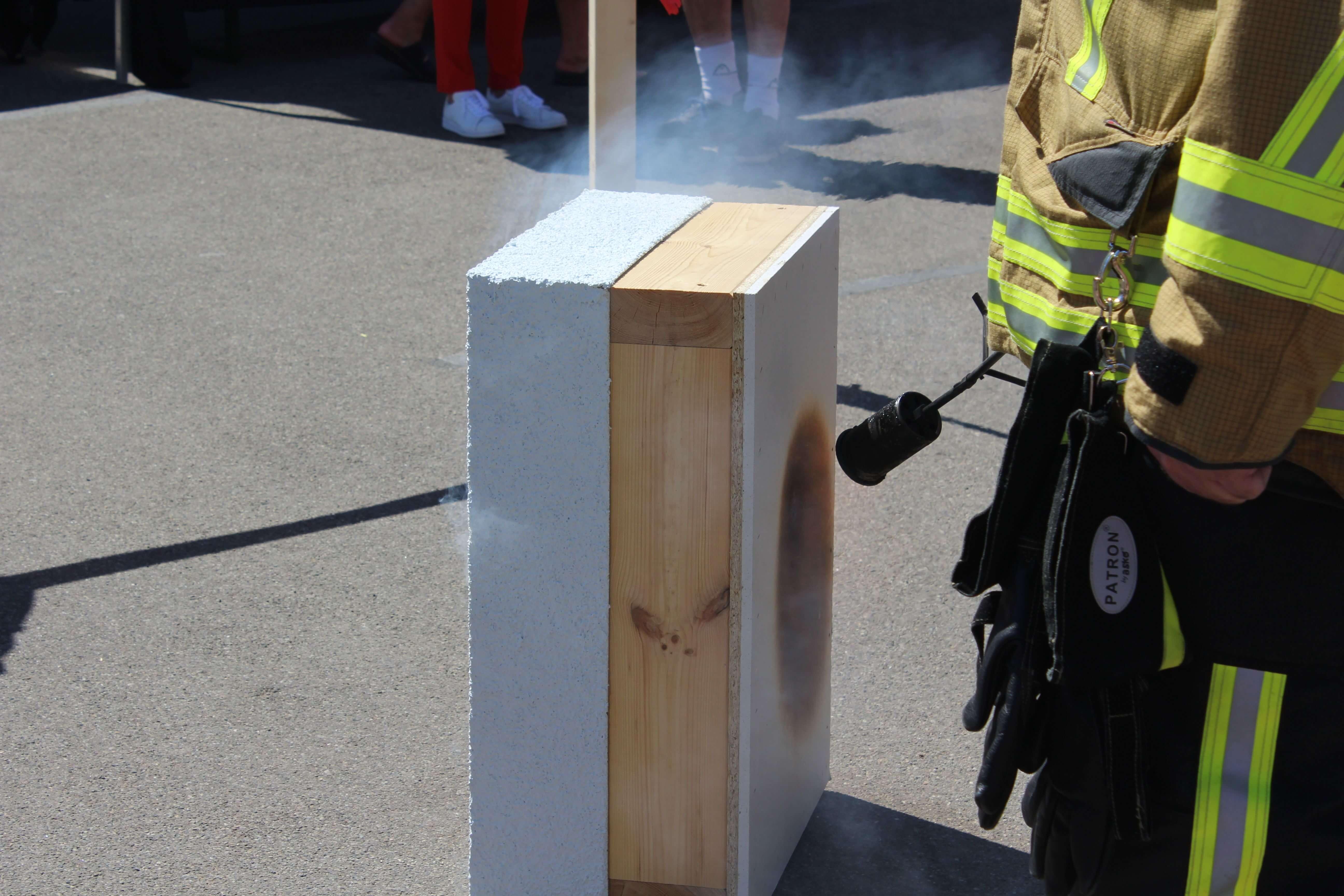 Brandvorführung bei TALBAU-Haus